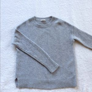 Woman's gap gray sweater